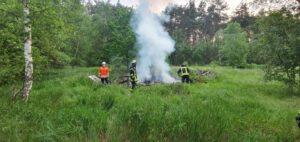 Read more about the article Einsatz 05-2021: Brennender Holzhaufen